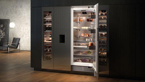 Vario Serie400 Side-by-Side-Kombination aus Kühl- und Gefriergerät, ergänzt mit Weinklimaschrank (grifflose Tür)