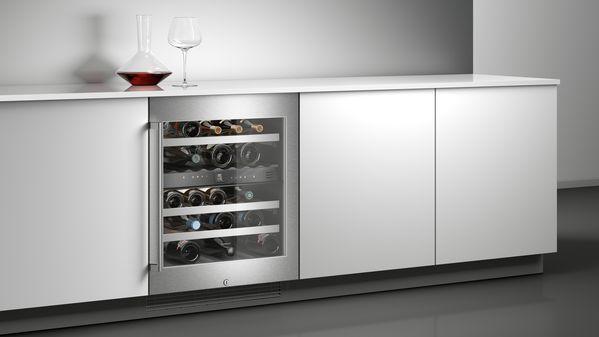 Weinklimaschrank mit Glasfront mit Edelstahlrahmen